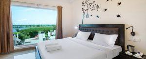 book hotel room near singanallur