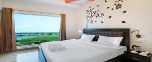 book crystal lake suites hotel room